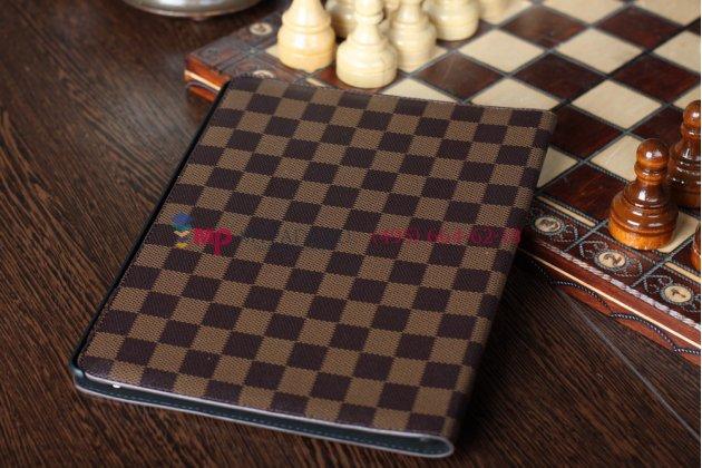 Фирменный чехол-обложка для iPad 2/3/4 new в клетку коричневый кожаный